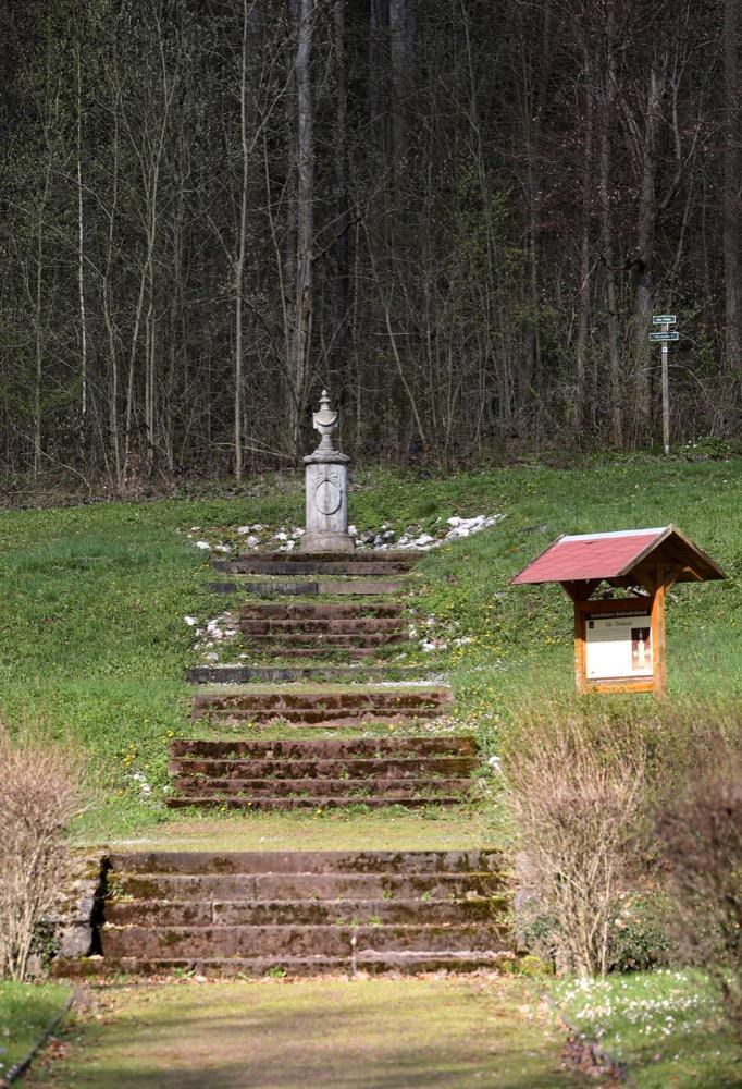 3-Ida-Denkmal-auf-Ida-Platz