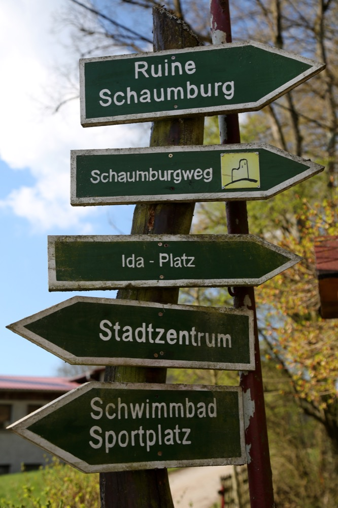 5-Wegweiser-am-Ida-Platz